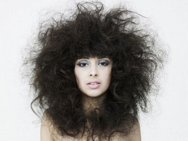 Що робити з неслухняними волоссям