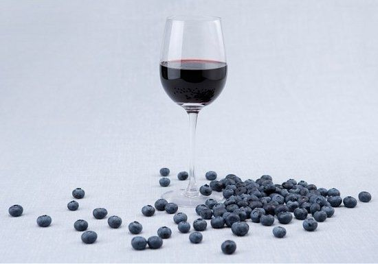 Робимо домашнє вино з чорниці