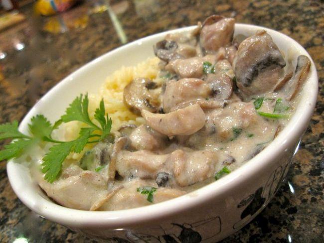 Філе індички з грибами у вершковому соусі