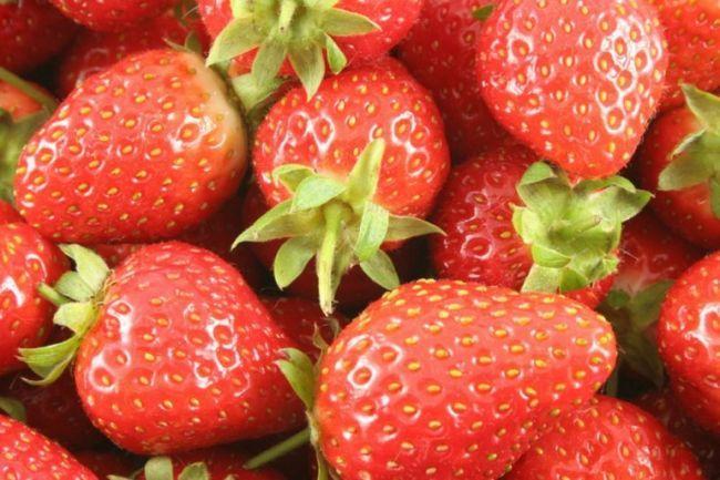 Як мити полуницю