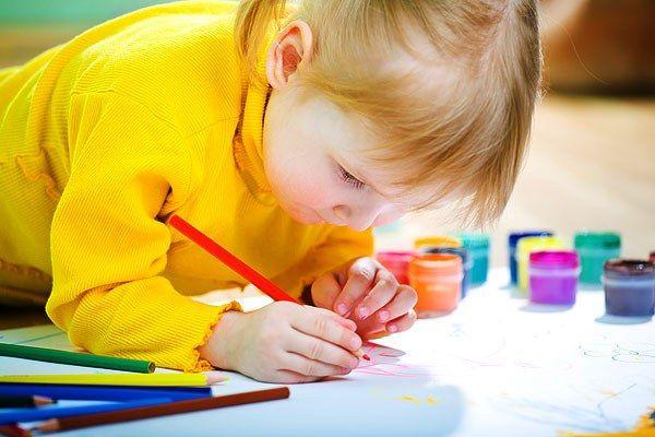 Як оформити куточок дитячої творчості