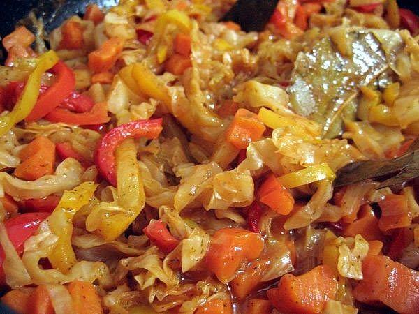 Як приготувати овочеве рагу з капустою
