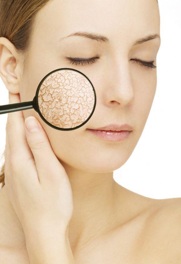 Як доглядати за сухою шкірою обличчя в домашніх умовах