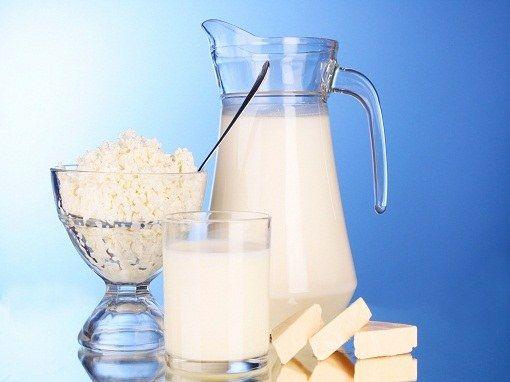 Чи можна вагітним пити молоко