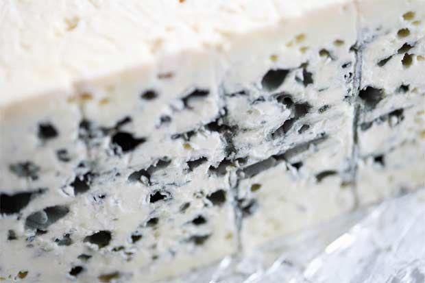 Корисні властивості сиру з пліснявою