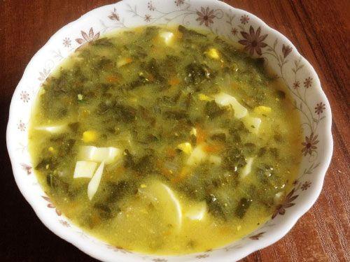 Суп зі щавлем і вершковим сиром